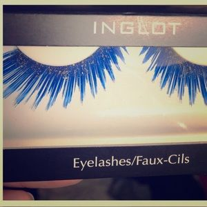 INGLOT Makeup - Blue Glitter Luxury False Lashes Halloween Ready